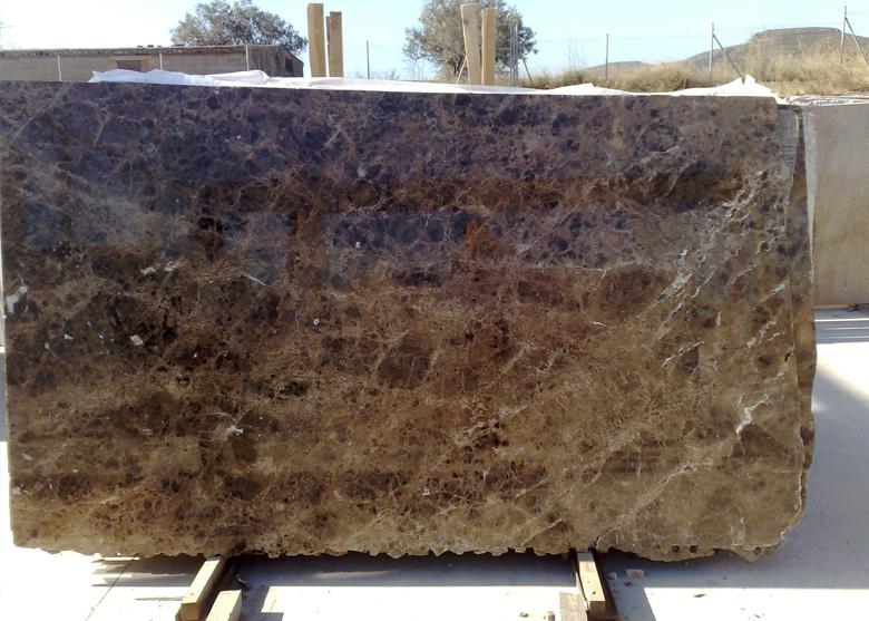 Artem rmol fabricantes de piedra natural granito for Marmol y granito emperador